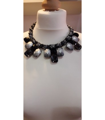 Collier 9